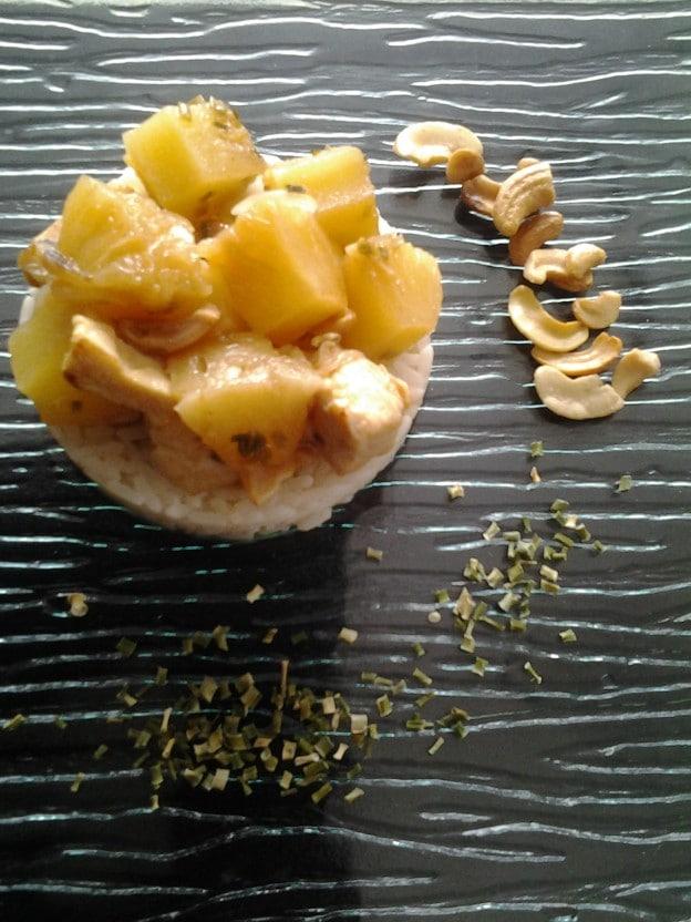 Sauté de poulet à l'ananas et à la ciboulette