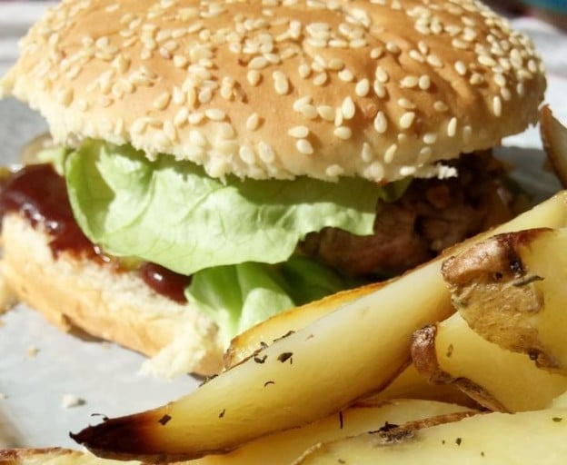 Burger et frites au thym maison