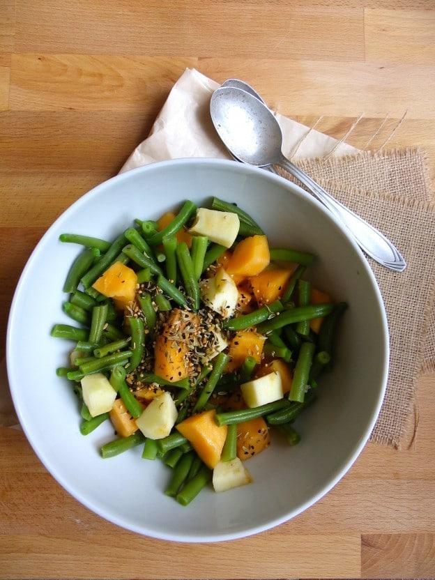 Salade de haricots verts, pomme verte et melon au Panch Phoron