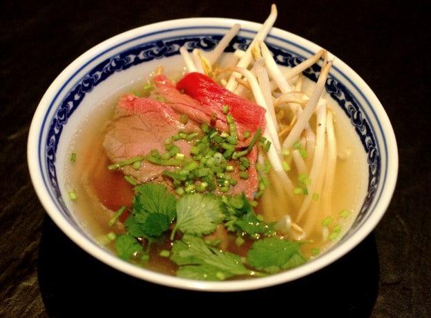 Mi cuit de boeuf et son bouillon à la vietnamienne